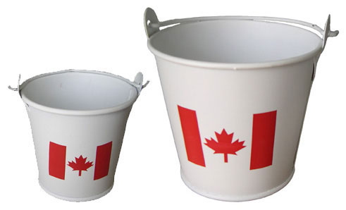 Canada Metal Pail with Flip-up Handle